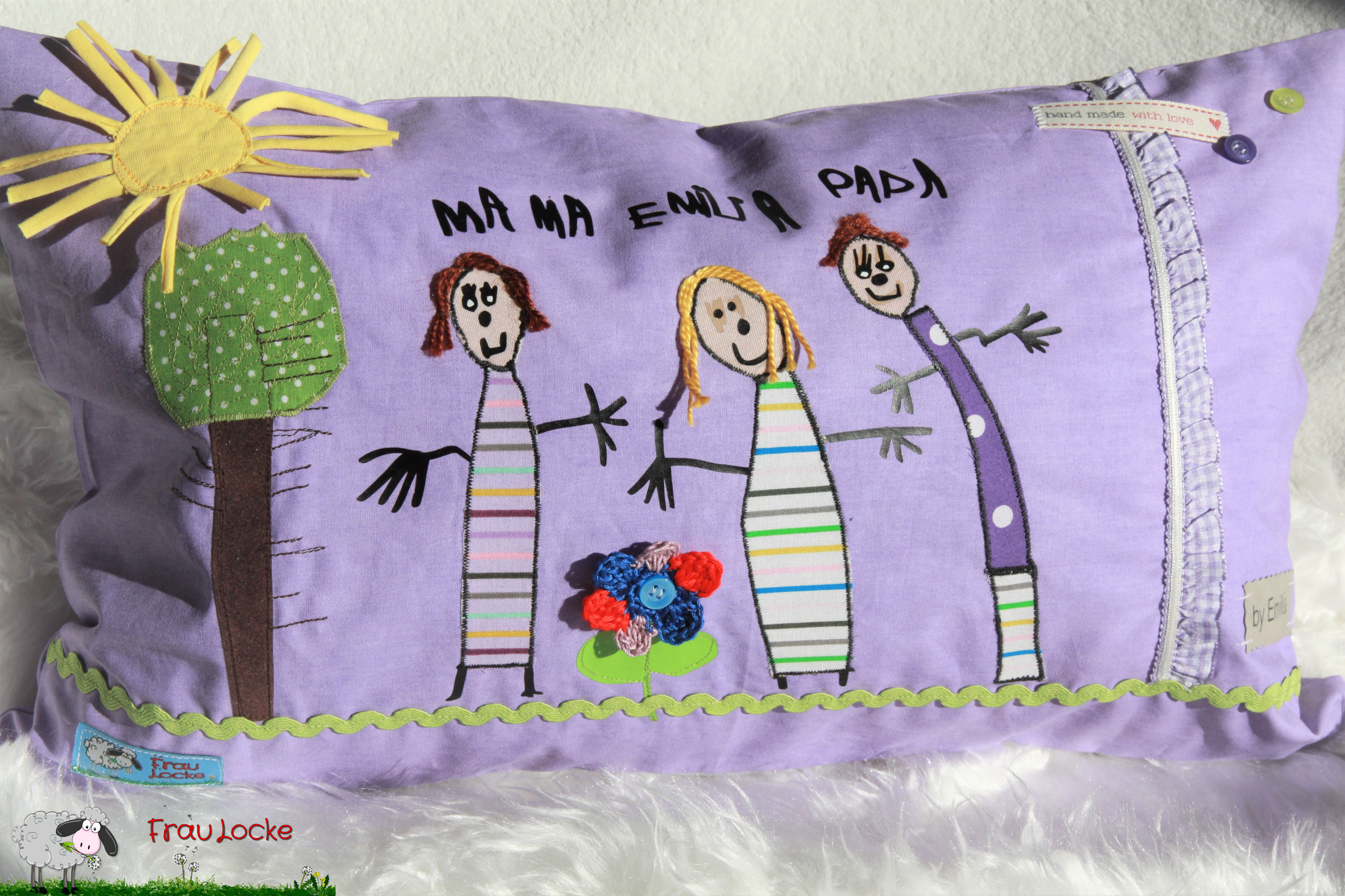 Kinderzeichnung auf Kissen